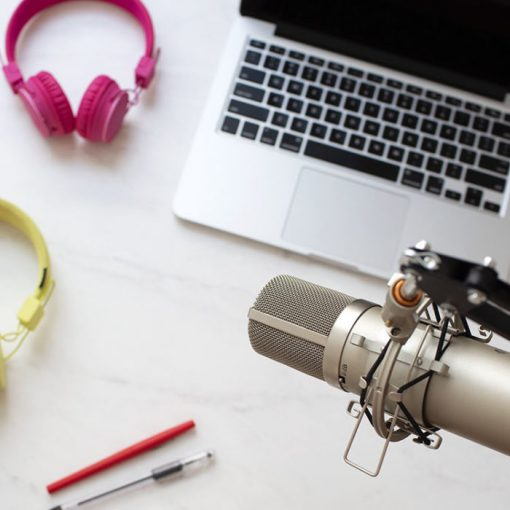 Launch a Podcast course by A Beautiful Mess will teach you how to create and launch a podcast, even if you don't have any experience with podcasts!